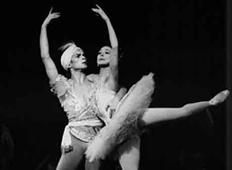 Nureyev dancing with Fonteyn