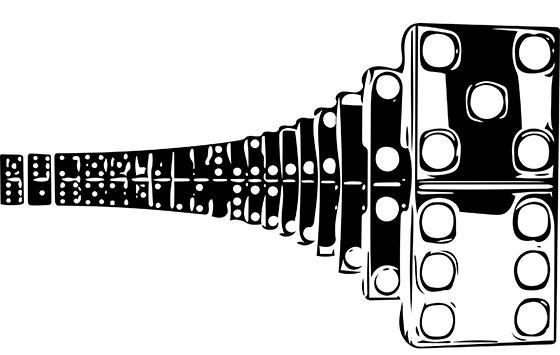 dominos-upright